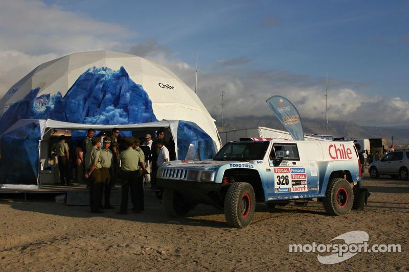 #326 Hummer: Carlo De Gavardo et Juan Pablo Rodriguez au bivouac