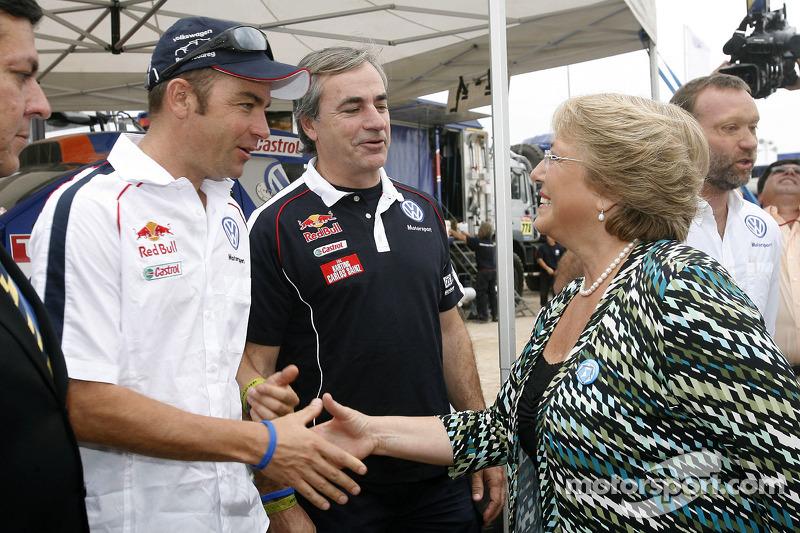 Giniel de Villiers, Carlos Sainz et Michelle Bachelet, Presidente du Chili