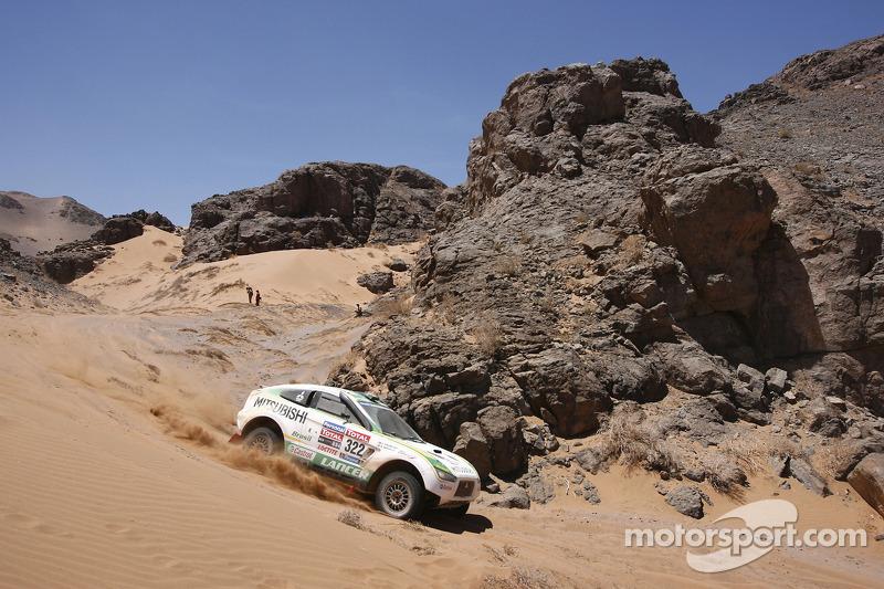 #322 Mitsubishi: Guilherme Spinelli & Filipe Palmeiro