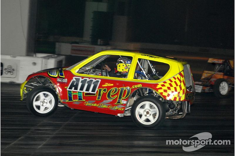 Auto Grass Racing dans la Live Action Arena
