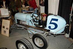 Lou Volk, Babe Bower and Art Cross drove this Midget built by the Weaver Brother 1937