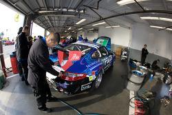 #63 TRG Porsche GT3