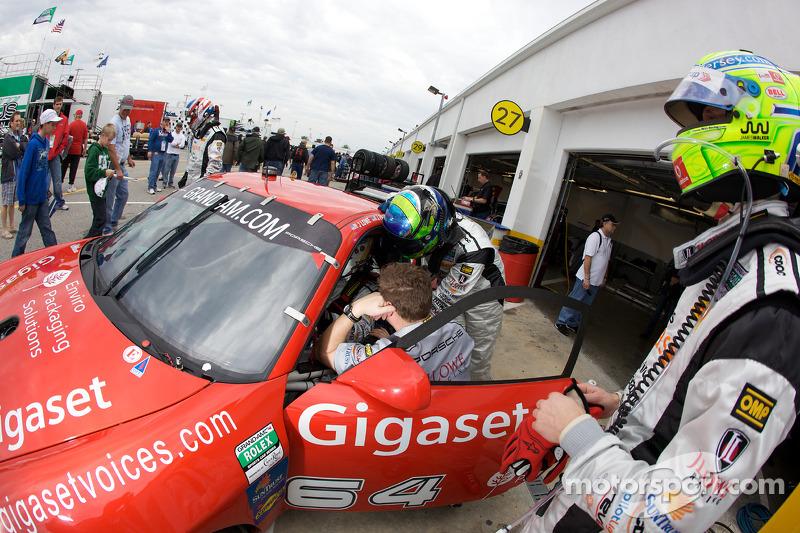Changement de pilotes pour #64 JLowe Racing Porsche GT3: Jim Lowe, Eric Lux, Jim Pace, Tim Sugden, James Walker
