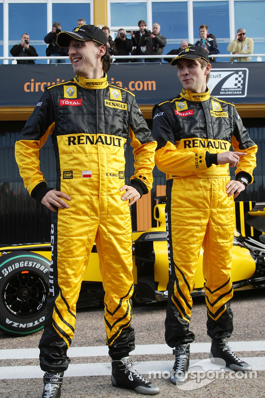 Robert Kubica, Renault F1 Team, Vitaly Petrov, Renault F1 Team- Renault F1 Team Launch