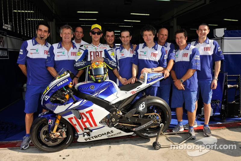 Valentino Rossi mit der neuen Yamaha YZR-M1