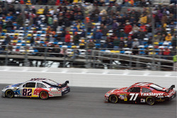 Scott Speed, Red Bull Racing Team Toyota en Bobby Labonte, TRG Motorsports Chevrolet