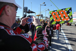 Fans tijdens de pitwalk