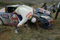 Kimi Raikkonen en Kaj Lindstrom, Citroën C4 WRC, Citroën Junior Team, crashen uit de rally