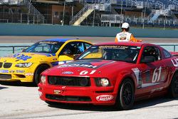 Winnaar, #61 Roush Performance Ford Mustang GT: Billy Johnson, Jack Roush Jr.