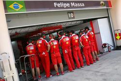 Felipe Massa, Scuderia Ferrari, Scuderia Ferrari mechanics