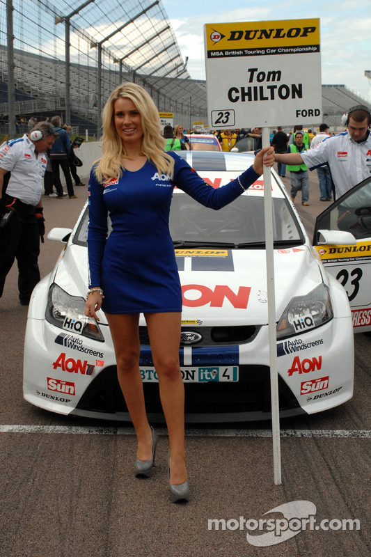 Grid girl de Tom Chilton