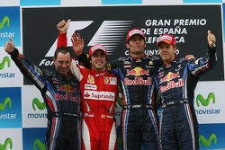Podium: race winnaar Mark Webber, Red Bull Racing, 2de Fernando Alonso, Scuderia Ferrari, 3de Sebastian Vettel, Red Bull Racing