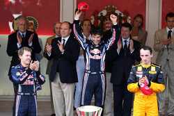 Podium: first place Mark Webber, Red Bull Racing with Second place Sebastian Vettel, Red Bull Racing and 3rd place Robert Kubica, Renault F1 Team