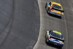 Kyle Busch, Joe Gibbs Racing Toyota and Jimmie Johnson, Hendrick Motorsports Chevrolet