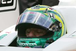 Tony Kanaan, Andretti Autosport waits to qualify