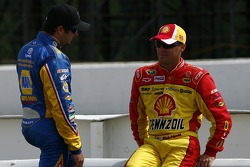 Mark Martin, Hendrick Motorsports Chevrolet and Kevin Harvick, Richard Childress Racing Chevrolet
