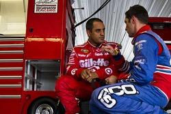 Juan Pablo Montoya, Earnhardt Ganassi Racing Chevrolet en Max Papis, Germain Racing Toyota