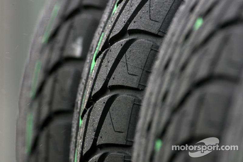 Les pneus pluie Bridgestone
