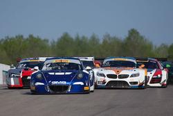 Start: #14 GMG Racing Porsche 911 GT3R: Brent Holden, Colin Braun lider