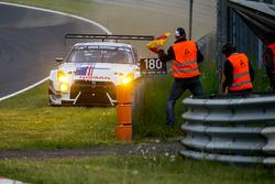 Unfall: #24 Team Zakspeed, Nissan GT-R Nismo GT3: Marc Gassner, Florian Strauß, Tom Coronel