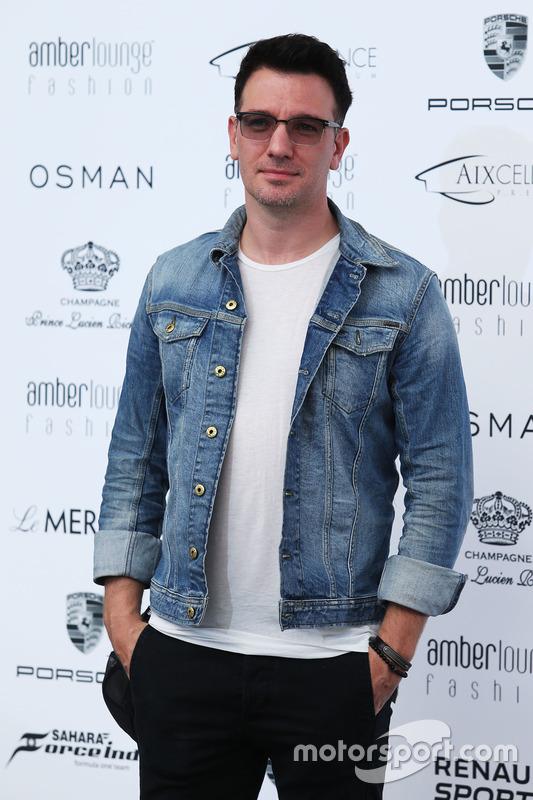 JC Chasez, cantante, en el Amber Lounge Fashion Show