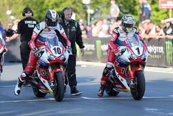 Conor Cummins, Honda, John McGuinness, Honda
