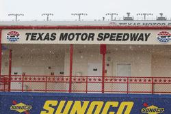 Дощ над Texas Motor Speedway