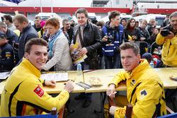 Autograph session: Hugo Valente, LADA Sport Rosneft, Lada Vesta dan Nicky Catsburg, LADA Sport Rosneft, Lada Vesta