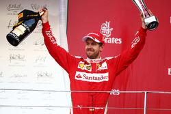 Себастьян Феттель, Ferrari святкує своє друге місце на подіумі