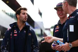 Даниэль Риккардо, Red Bull Racing, Даниил Квят, Scuderia Toro Rosso и Джонатан Уитли, менеджер команды Red Bull Racing