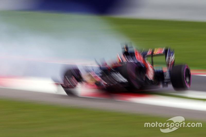 Daniil Kvyat, Scuderia Toro Rosso se estrella en la calificación