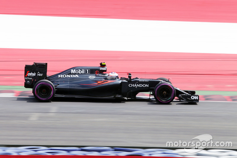 3. Jenson Button, McLaren MP4-31