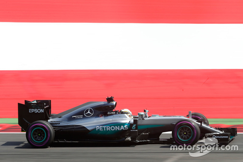 #13: Lewis Hamilton, Mercedes F1 W07 Hybrid, Spielberg 2016: 1:06,228 *