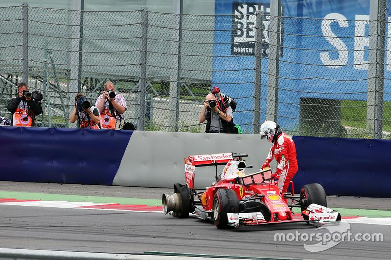 A Ferrari vinha de um 2016 negativo. O carro não era competitivo, de modo que se tratou da segunda vez nos últimos 24 anos em que a equipe terminou uma temporada sem vencer.