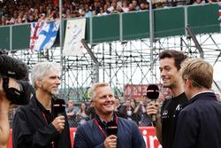 (L nach R): Damon Hill, Sky Sports Moderator; Johnny Herbert, Sky Sports F1 Moderator; Jolyon Palmer, Renault Sport F1 Team; Simon Lazenby, Sky Sports F1 TV Moderator