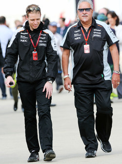 (L to R): Will Hings, Sahara Force India F1 Press Officer with Dr. Vijay Mallya, Sahara Force India F1 Team Owner