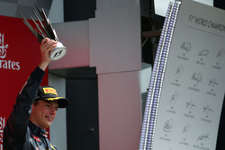 Podium: derde  Max Verstappen, Red Bull Racing RB12
