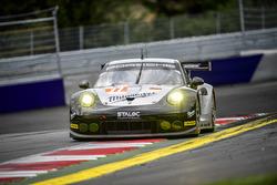 #77 Proton Competition, Porsche 911 RSR 991: Marc Hedlund, Marco Seefried, Wolf Henzler