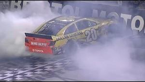NASCAR Bristol   Nail-Biting finish Between Kenseth and Kahne
