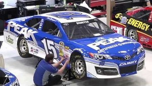 #15 Clint Bowyer Time-Lapse Car Wrap