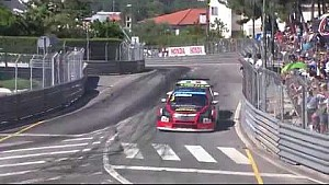 Crash entre Chilton et Tarquini à Villareal