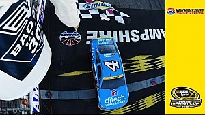 Harvick's late-race pass earns him Round of 12 spot