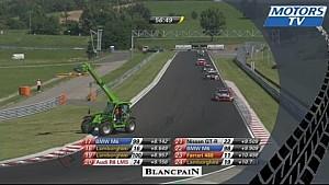 Эвакуатор на трассе в гонке Blancpain GT