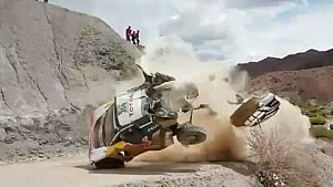The crash of Carlos Sainz at the Dakar 2017