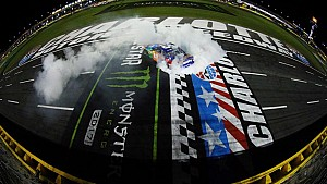 Crew Call: Inside victory lane with Kyle Busch's crew