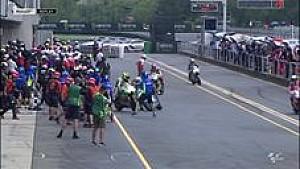 Insiden Espargaro dan Iannone di pitlane