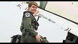 William Byron vuela con los Thunderbirds de la USAF