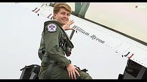 William Byron vuela con los Thunderbirds de la USAF